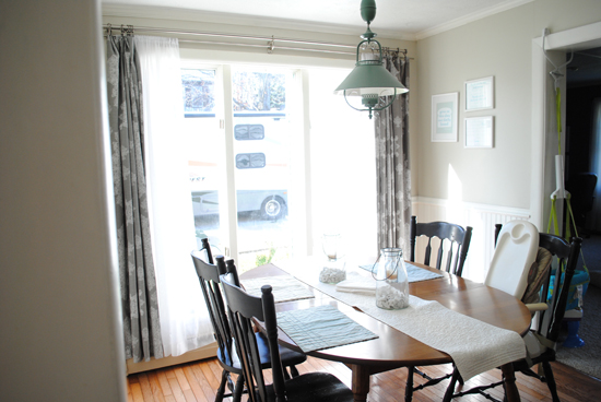 Dining room before a Christmas makeover